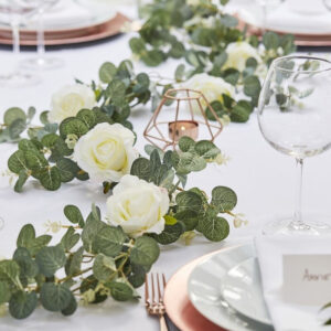 Eukalyptus Guirlande Med Hvide Roser